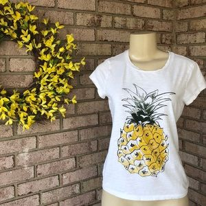 🍍 Ann Taylor Pineapple T Shirt XS